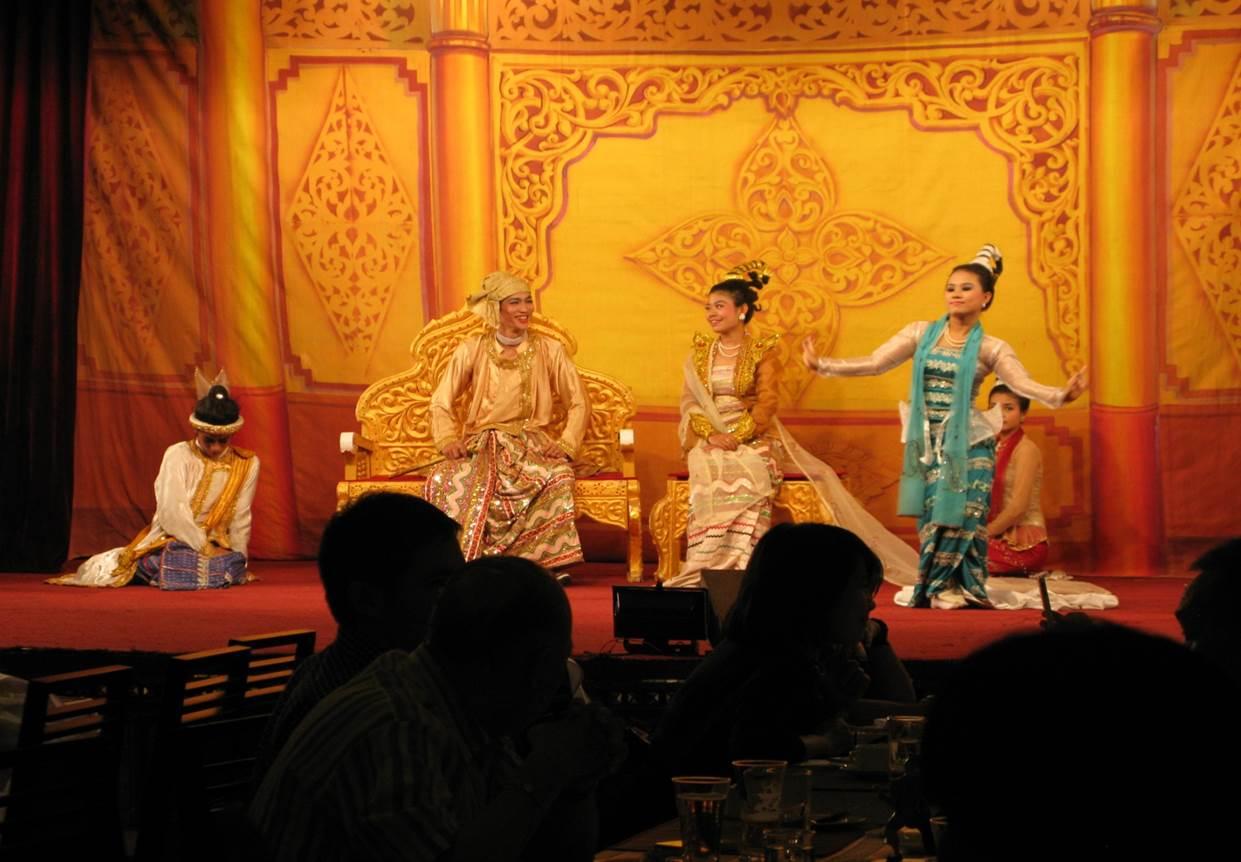 Teater, lite Myanmarhistoria